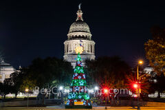 austin, capitol, texas capitol christmas tree, texas capitol, capital, chistmas tree, christmas, city, downtown, light, holiday, congress ave, austin texas, downtown austin, city of austin, holiday li