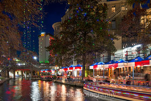 San Antonio, riverwalk, holdiay, christmas, lights, dinning, boats, festive,