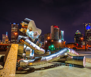 Dallas, Deep Ellum, banjo, cityscape, cityscapes, downtown, mass transit, night, robo, robot, sitting sculpture, skyline, skylines, train, traveling man, art, jaming, dallas art,