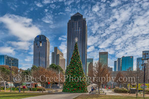 Christmas Tree, Dallas, cityscape, cityscapes, cloudy, downtown, holiday, skyline, skylines, winter, high rise,