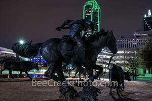 Dallas, Pioneer Plaza, Dallas parks, cattle drive, cowboy trail rider, horse, longhorn bronze statues, park, city of dallas, downtown dallas, historical, natural, dallas night,