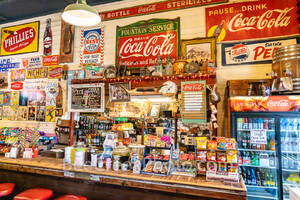 Gruene General Store,  Soda Fountain, Gruene texas, vintage, salsas, country preserves, cook books, cups, fudge, music, country store,