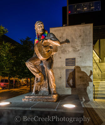 Willie Nelson, statue,  Austin City Limits, ACL, night, Austin warehouse district,  Willie Nelson statue , cityscape,  austin images, austin pictures, country music, Willie Nelson Blvd, 2nd street, do