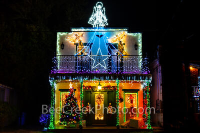 texas hill country, shop, town square, blanco country courthouse, christmas, christmas tree,  christmas colors, christmas lights, texas christmas, colorful,