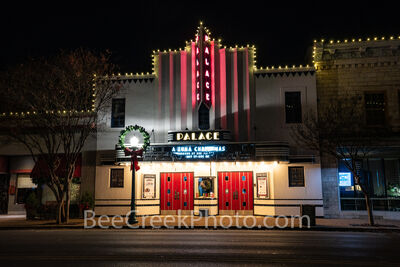 georgetown texas, palace theatre, downtown georgetown, historic district, texas, live entertainment, best live entertainment, christmas, christmas tuna, night, christmas wreath,  historic theatre, mov