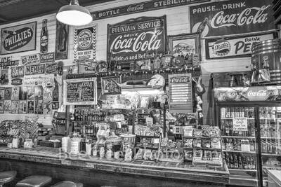 Gruene General Store,  Soda Fountain, b w. black and white, Gruene texas, vintage, salsas, country preserves, cook books, cups, fudge, music,