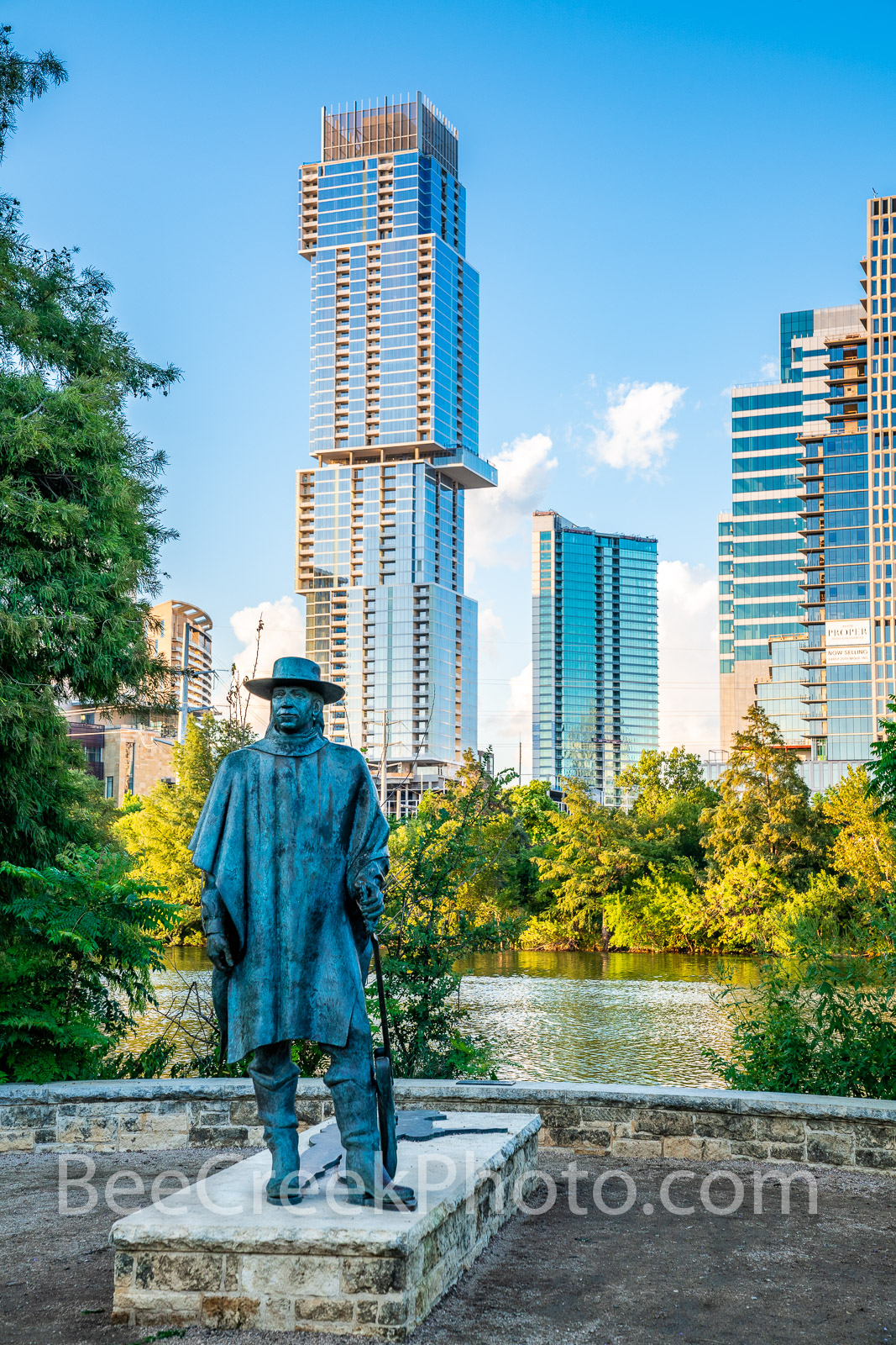 austin, skyline, Independent, Jingle, Stevie Ray Vaughan, statue, bronze, cityscape, downtown, city, vertical, lady bird lake, town lake, downtown, hike and bike trail, , photo