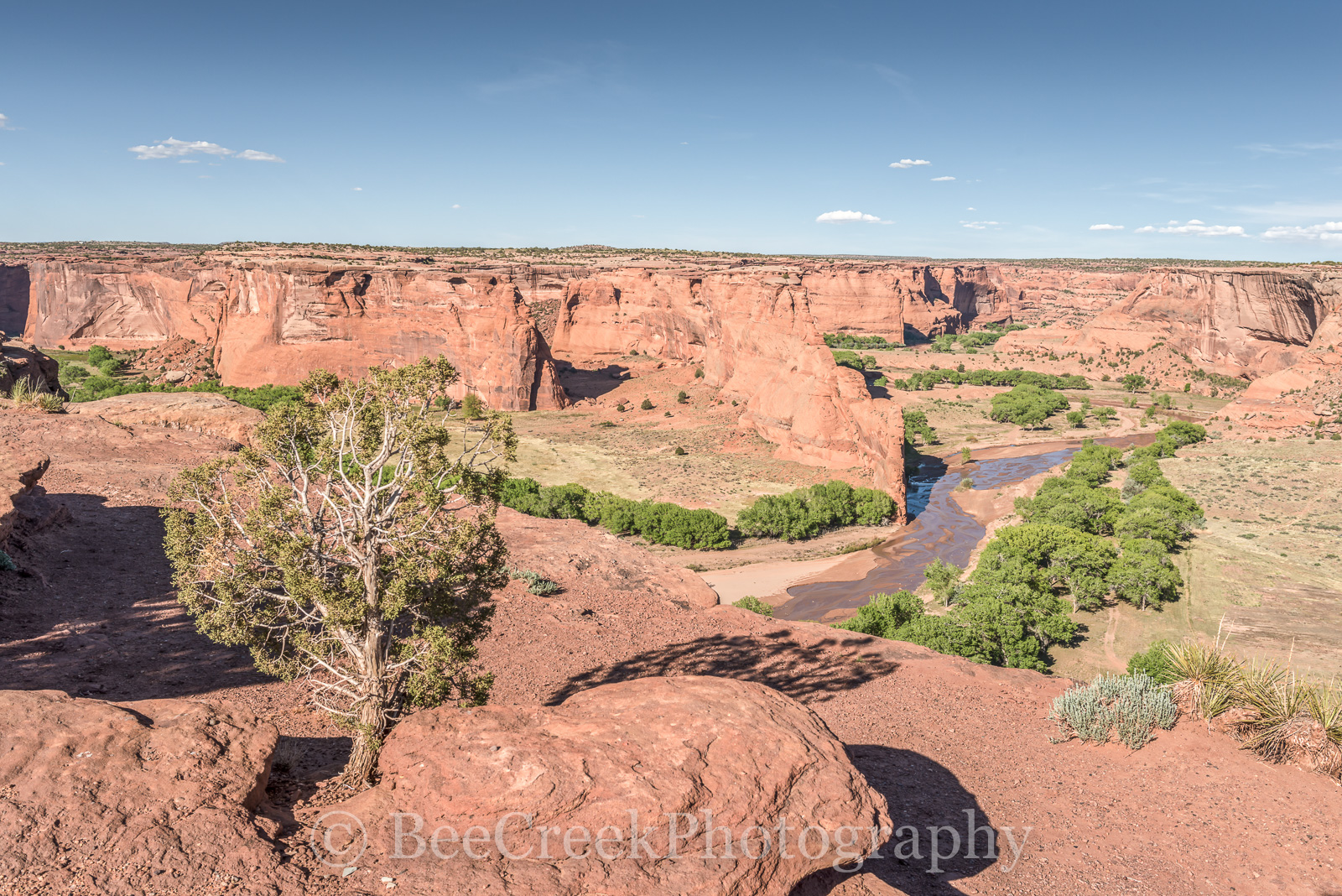 Anasazi Indian villages built in the cliffs, Anasazi lived here for 5000 years, Arizona, Canyon de Chelly, Canyon de Chelly from above, Indian life, Navajo Indian Reservation, Red rock landscapes, Vie, photo