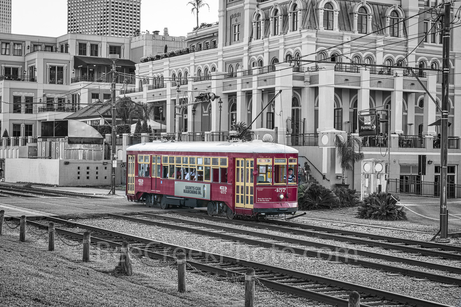 New Orleands, red, street car, Jackson Brewery, transist, Jackson Brewery, black and white, bw,, photo
