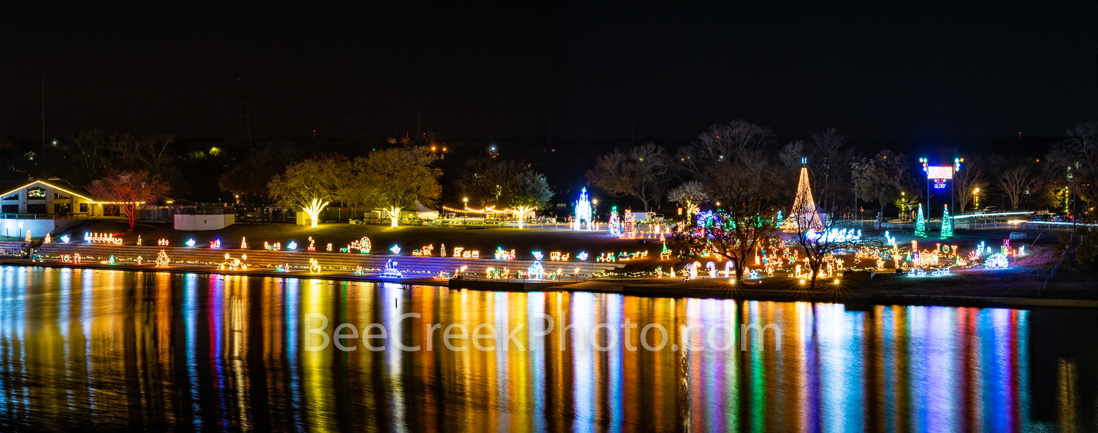 marble falls, texas, walkway of lights, texas Christmas, lake marble falls, downtown marble falls, small town, christmas, holiday lights, reflections, pano, panorama, texas hill country,, photo