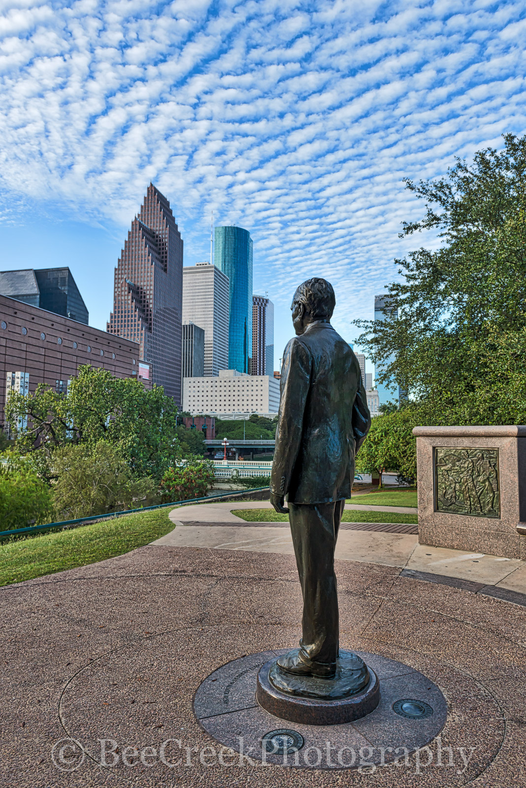 Geroge H Bush, Housotn, Sesquicentennial park, baffalo bayou, city, cityscape, cityscapes, vertical, downtown, historic, history, landmark, monument, park, president, skyline, skylines, statue, theate, photo
