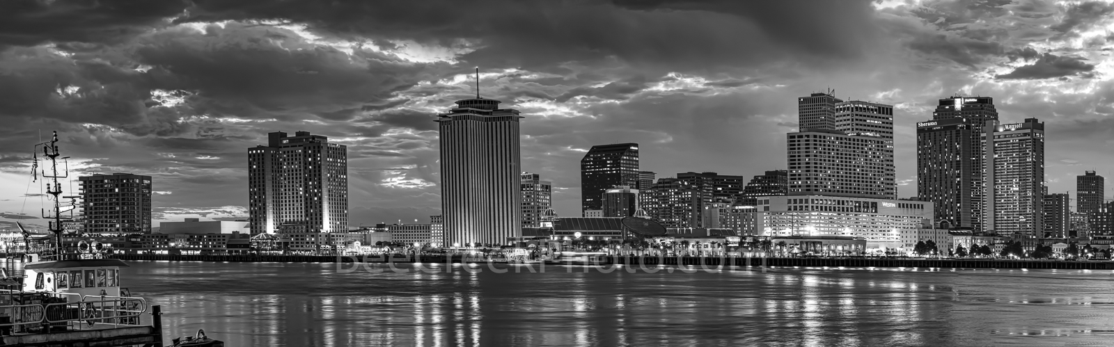 New Orleans, skyline, skylines, cityscape, cityscapes, dusk, sun set, downtown, high rise, buildings, river, city, BW, panorama, pano, Mississippi river, Louisiana,, photo