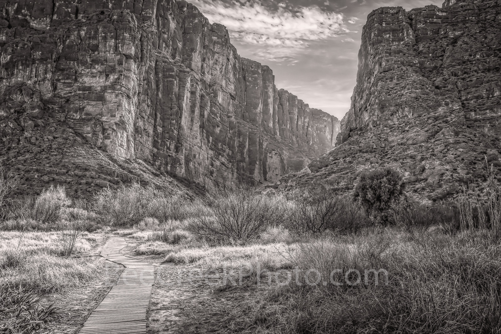 Santa Elena Canyon, black and white, bw, Big bend national park, black and white, bw, texas landscape, river rocks, blue sky, nice clouds, canyons, mountains, Mexico, Ross Maxwell scenic drive, Chiso , photo