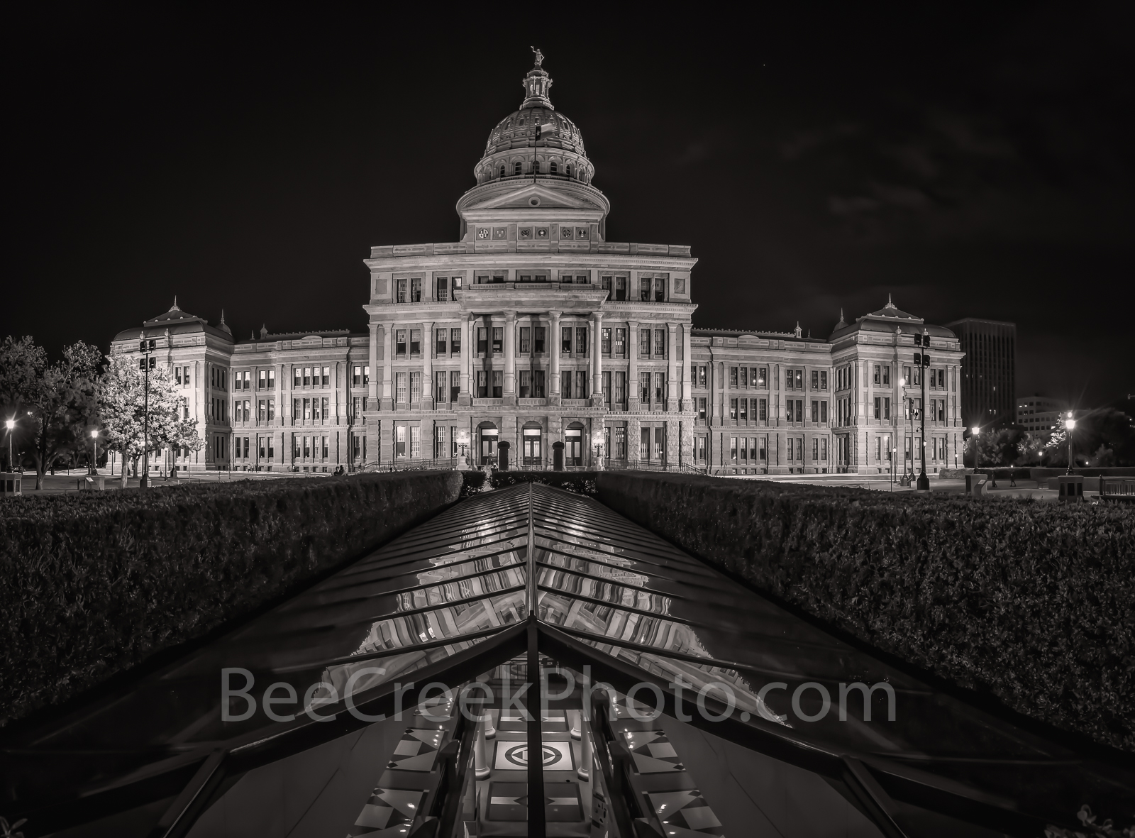 Austin, Texas Capitol, night, black and white, bw, vertical panorama, pano, downtown, city, State Capitol building, Texas State Capitol, state Capital, Capitol of Texas, panorama, pano, vertcal, touri, photo