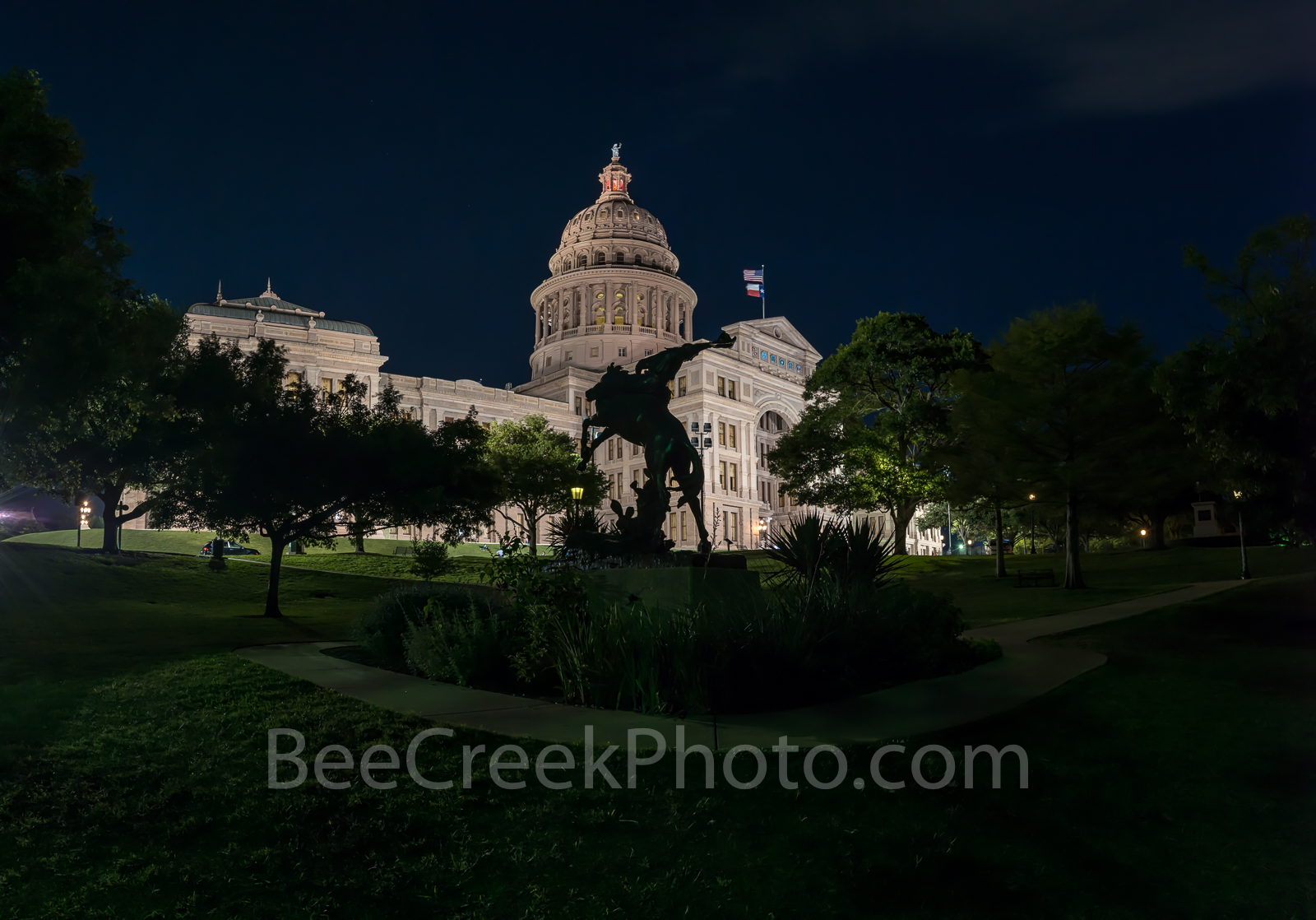 Austin, Texas Capital, Texas Capital, cowboy, horse, rider, pano, panorama, night,, photo