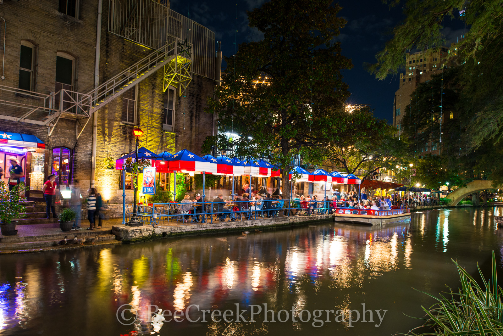 Republic of Texas, River Walk, San Antonio, blue, boat, city, cityscape, dinner, downtown, night, red, restaurant, white, photo