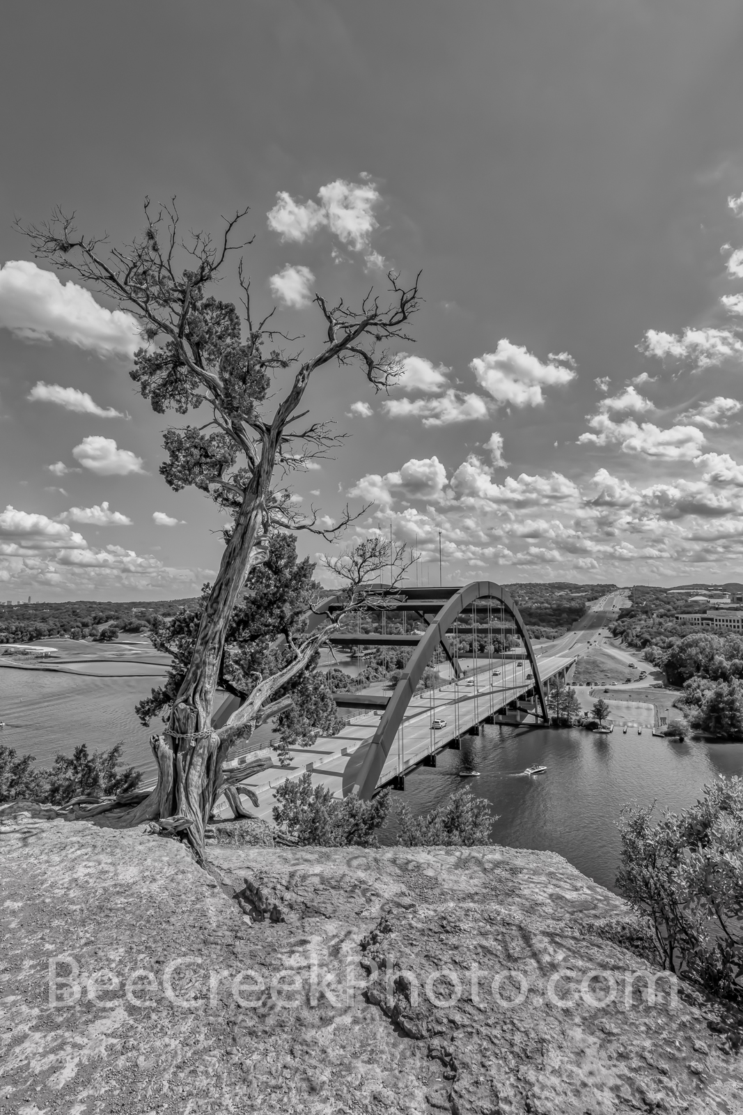 austin pennybacker overlook, vertical, austin 360 bridge, austin pennybacker bridge, austin texas, texas hill country, lake austin, colorado river, hwy 360, capitol of texas hwy. black and white, b w,, photo