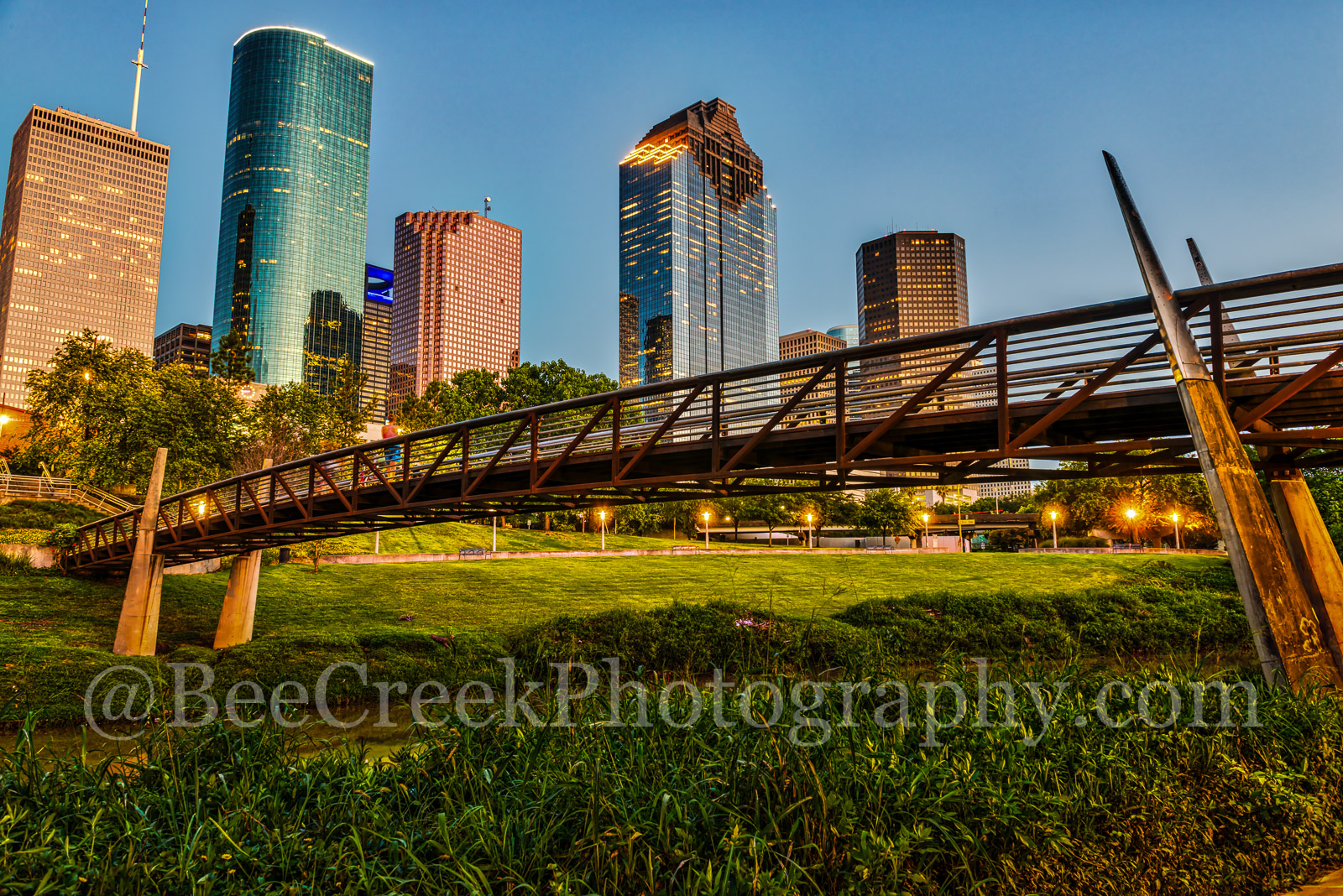 Houston, bagby,  sabine, promenade, bridge, downtown, skyline, blue hour, dusk, pedestrian bridges, america, cityscapes, stock bridge photos, houston stock, bridge, images of houston, city, US, street, photo