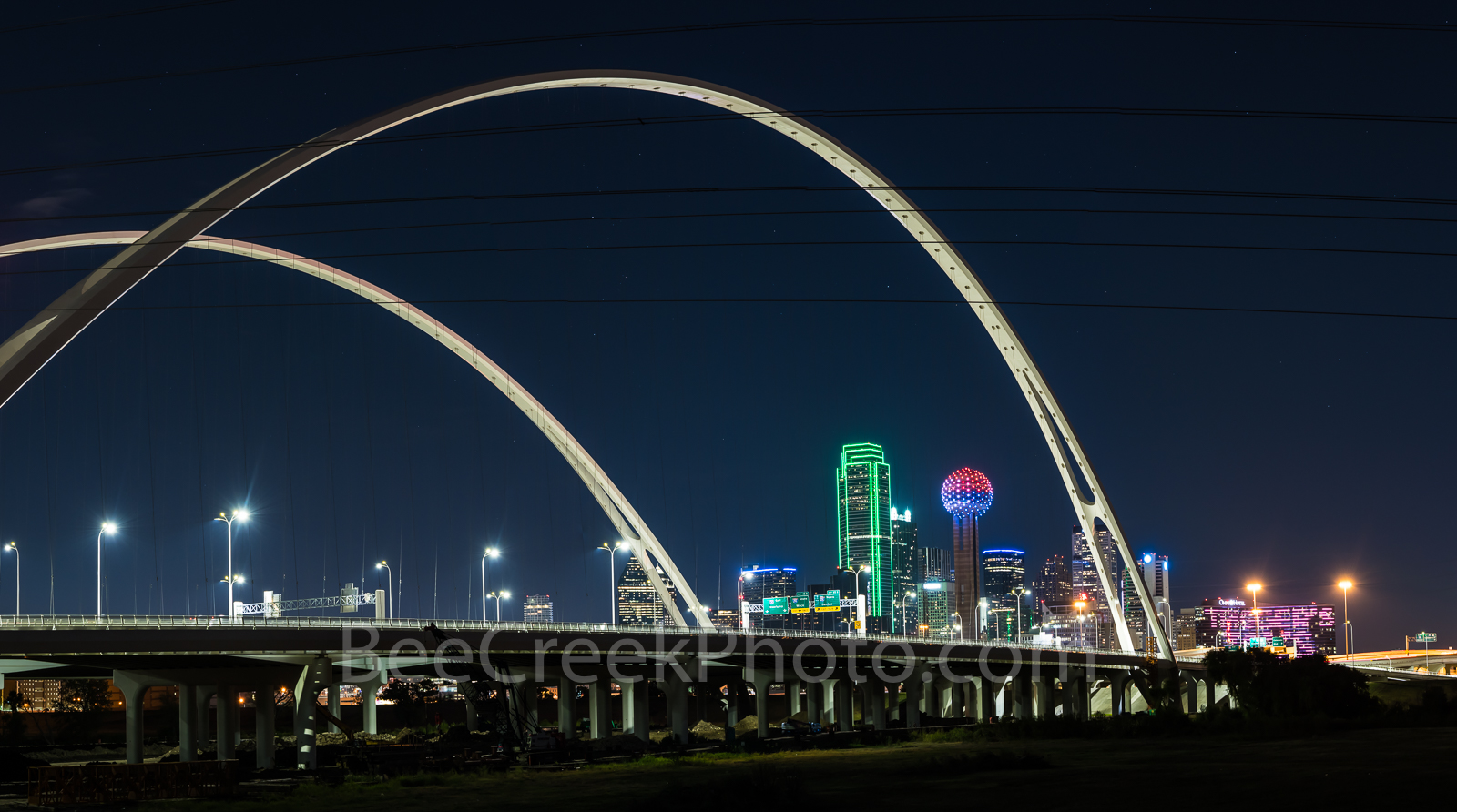 Dallas, skyline, cityscape, Margaret McDermott Bridge, downtown, dark, steel bridge, suspended, two arches, Trinity River, I30, Trinity project, Santiago Calatrava, pedestrian, bike path, park, trails, photo