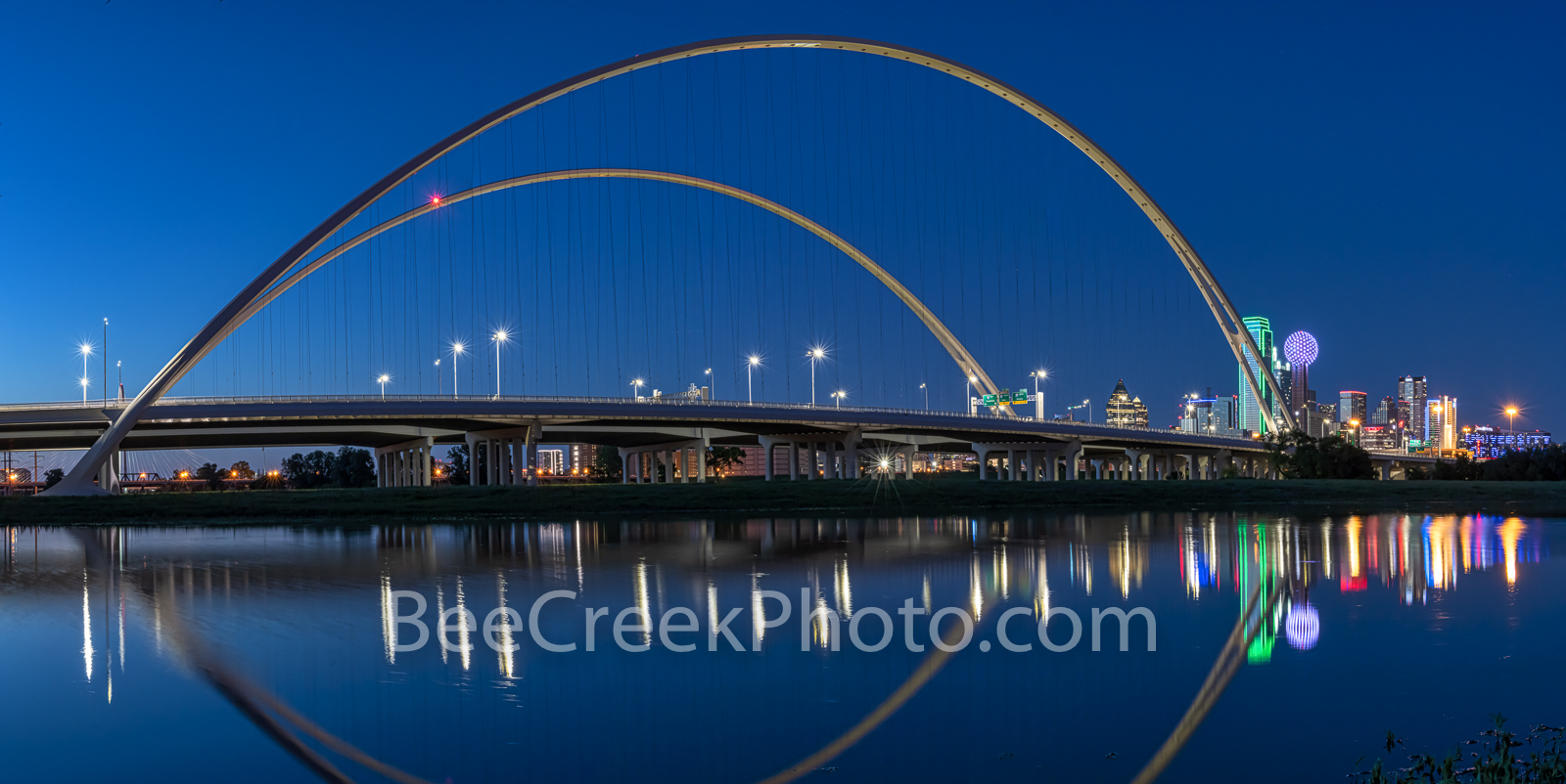Dallas McDermontt bridge Reflection, Dallas, downtown dallas, skyline, cityscape, Margaret McDermott Bridge, twilight, downtown, river, bridge, Trinity River,  Trinity project, Santiago Calatrava, Pan, photo