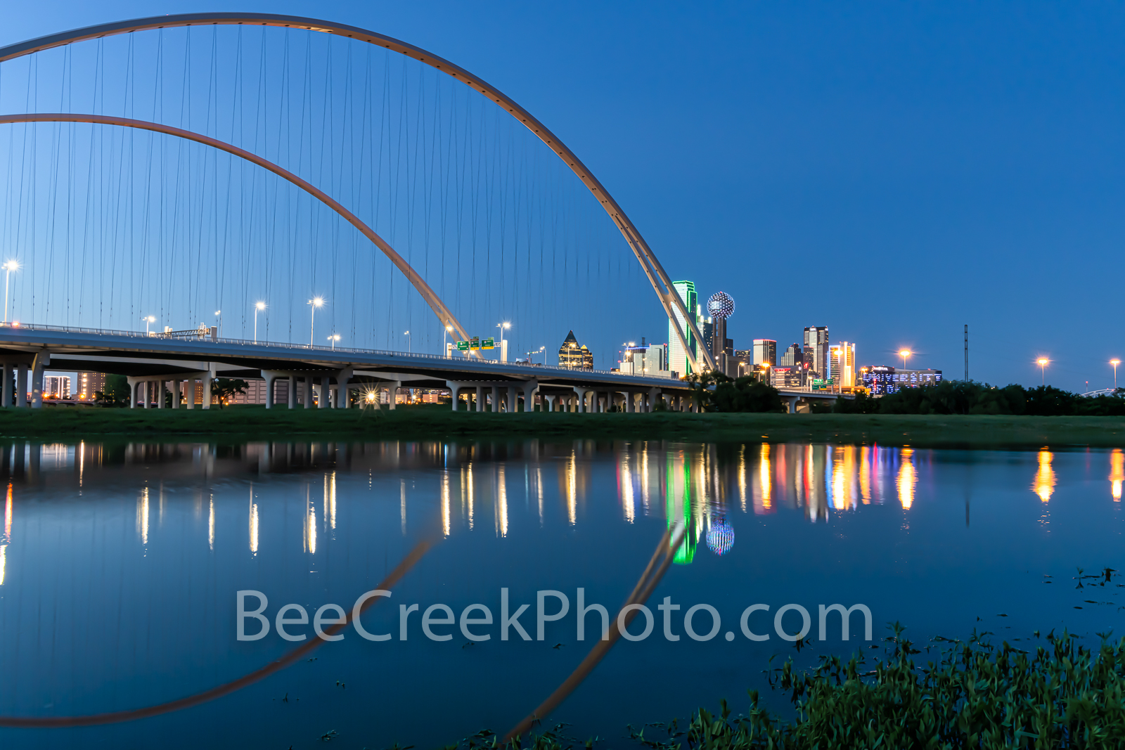 Dallas McDermott Bridge, Reflection Twilight, Dallas skyline, dallas pictures, images, McDermontt bridge, Dallas photos, skyline, cityscape, Margaret McDermott Bridge, downtown, architectural, dark, s, photo