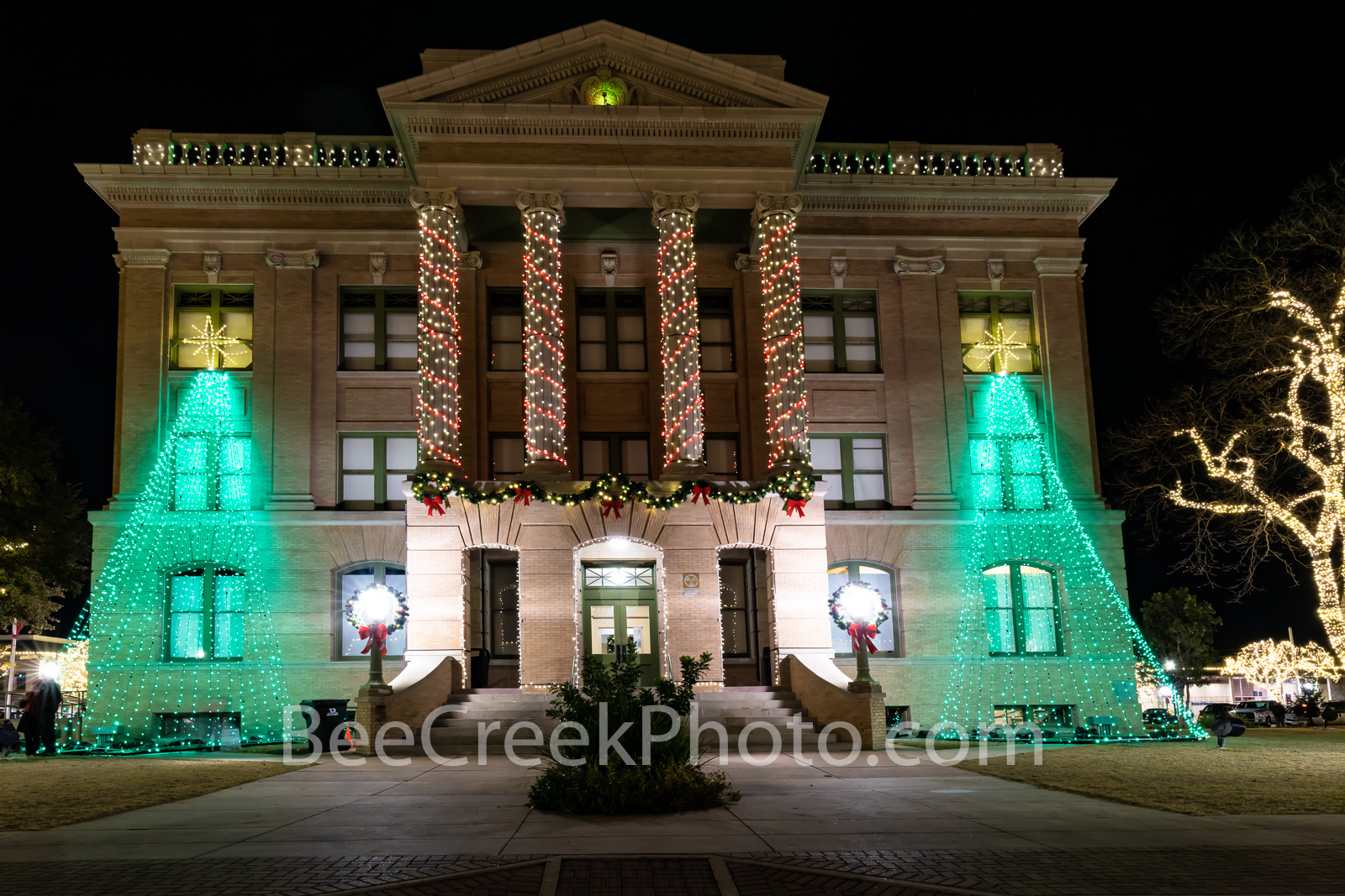 georgetown texas christmas, georgetown, texas, christmas, downtown, city, small town, christmas lights, holiday decorations, square, town square, williamson county courthouse, downtown georgetown, tre, photo
