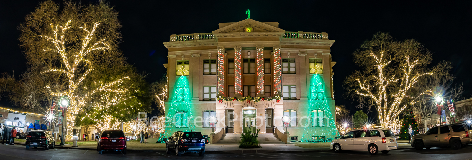 Georgetown Texas Christmas Pano - Christmas time are magical more so in some areas and Georgetown downtown square and courthouse...