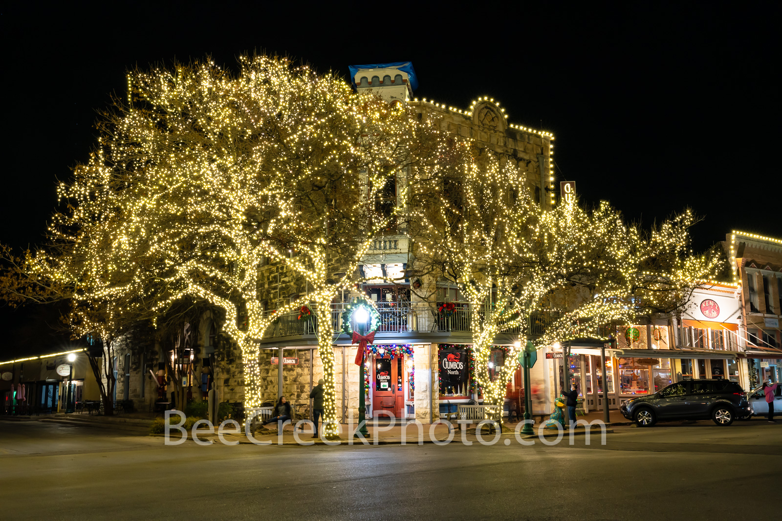 georgetown texas, texas christmas, holiday lights, christmas lights, street corner, town square, downtown georgetown, festival, christmas season, holiday decorations, courthouse, williamson county,  , photo