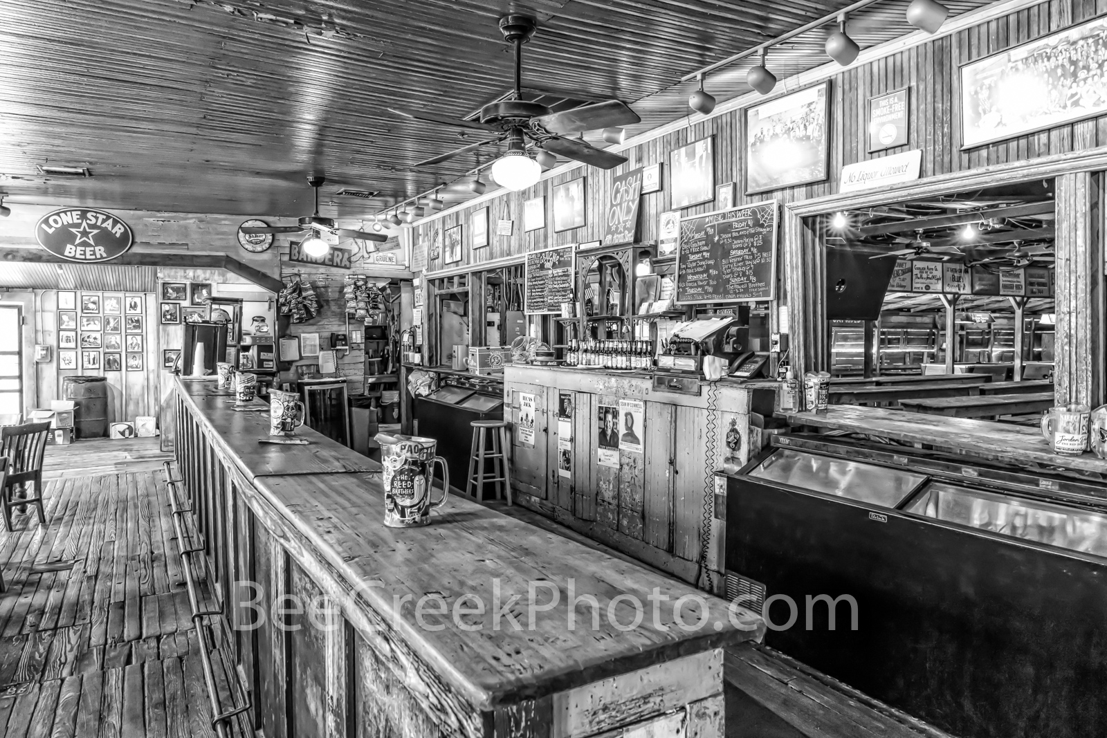 Gruene Hall, B W, black and whtie, gruene saloon, Gruene Texas, dance hall, saloon, town, community, Earnest Gruene, german, german town, Texas, texas hill country, visit, National Register of Histori, photo