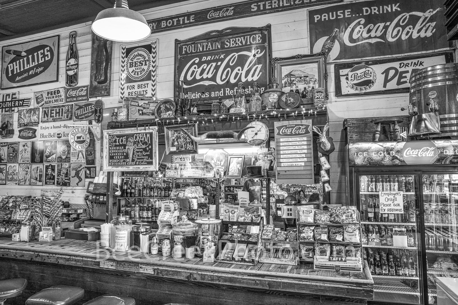 Gruene General Store,  Soda Fountain, b w. black and white, Gruene texas, vintage, salsas, country preserves, cook books, cups, fudge, music,, photo