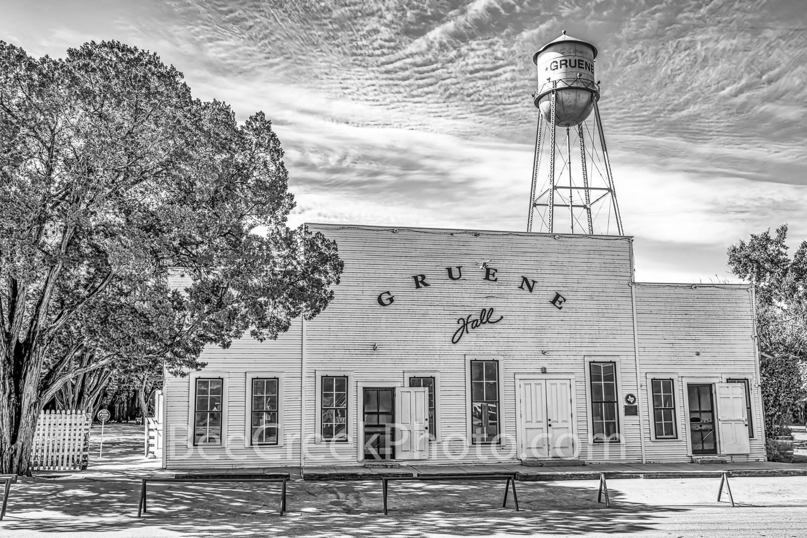 Gruene Hall, B W, black and whtie, Gruene Texas, dance hall, saloon, town, community, Earnest Gruene, german, german town,