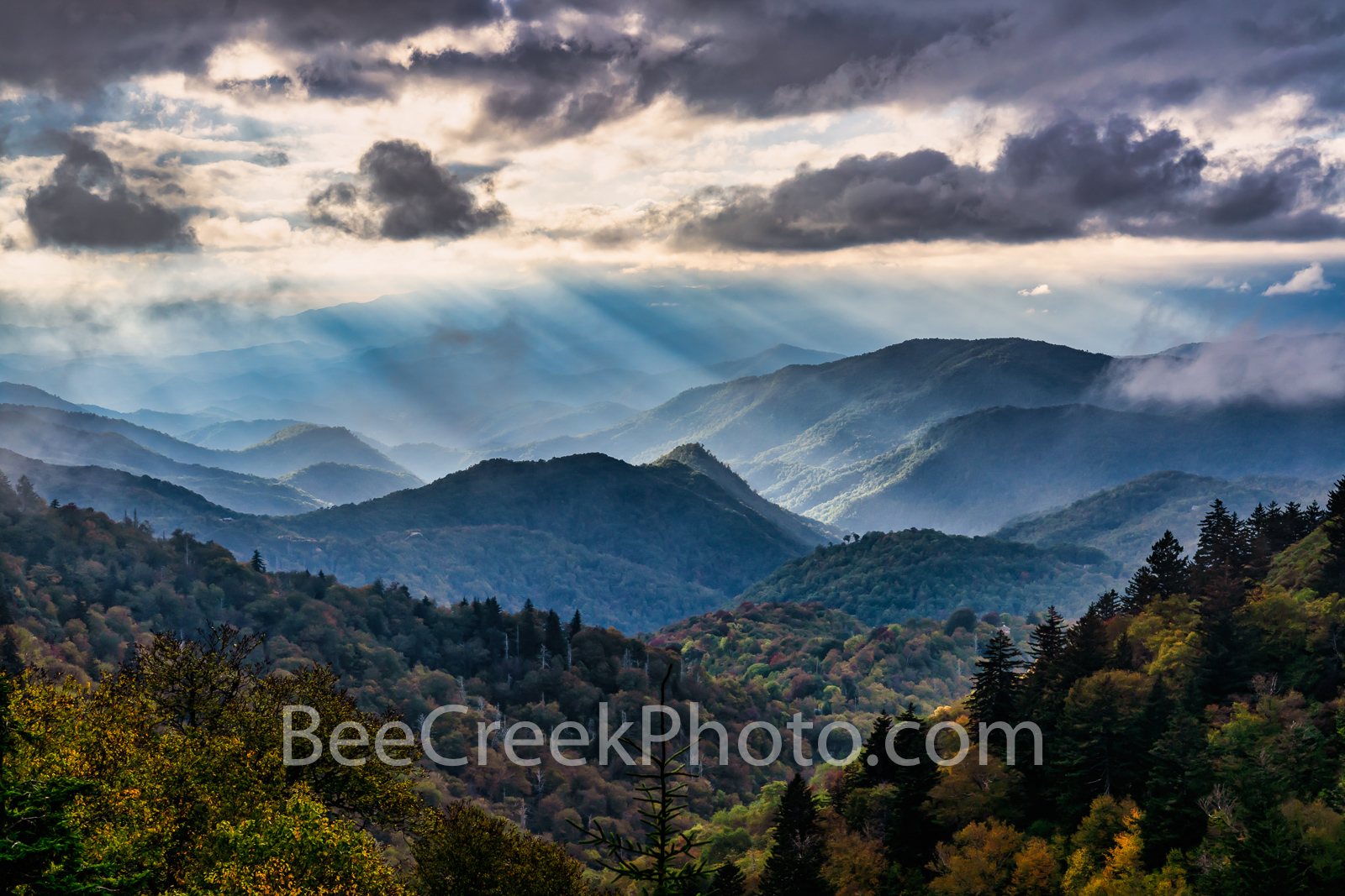 blue ridge mountains, blue ridge parkway, great smoky national park, smoky mountains, ridges, peaks, fall, colors, mountains, north carolina, nc, tennessee, appalachian mountains, sunrays, clouds, , photo