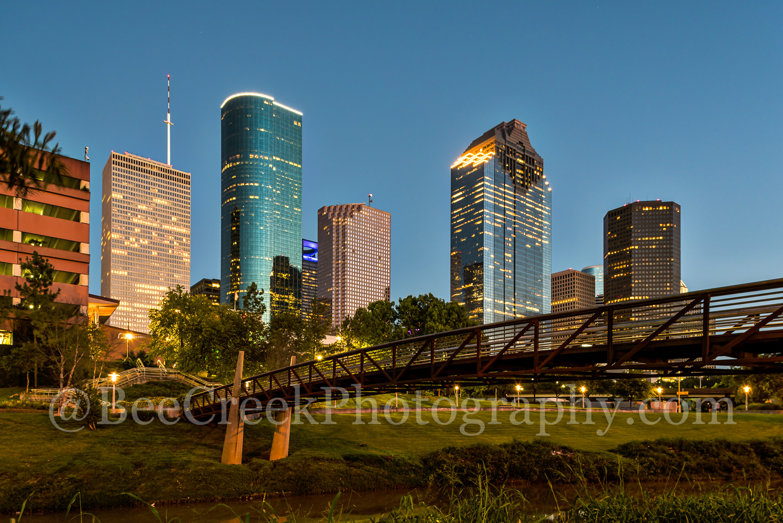 Houston, bagby to sabine, promenade, bridge, downtown, skyline, blue hour, dusk, pedestrian bridges, america, cityscapes, stock bridge photos, stock bridge pictures, images of houston, city, US, stree, photo