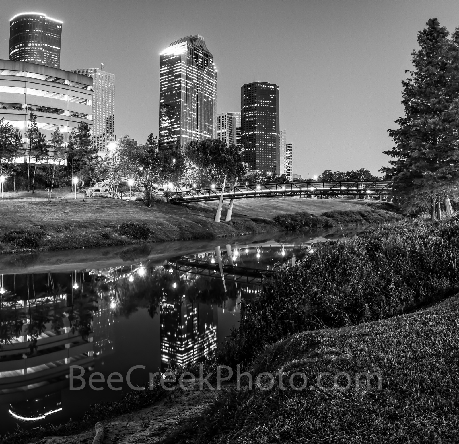 Houston, bagby to sabine, promenade, panorama, pano, bridge, downtown, skyline, twilight, blue hour, dusk, pedestrian bridges, panorama, pano, Wells Fargo, Heritage Plaza, america, cityscapes, buffalo, photo