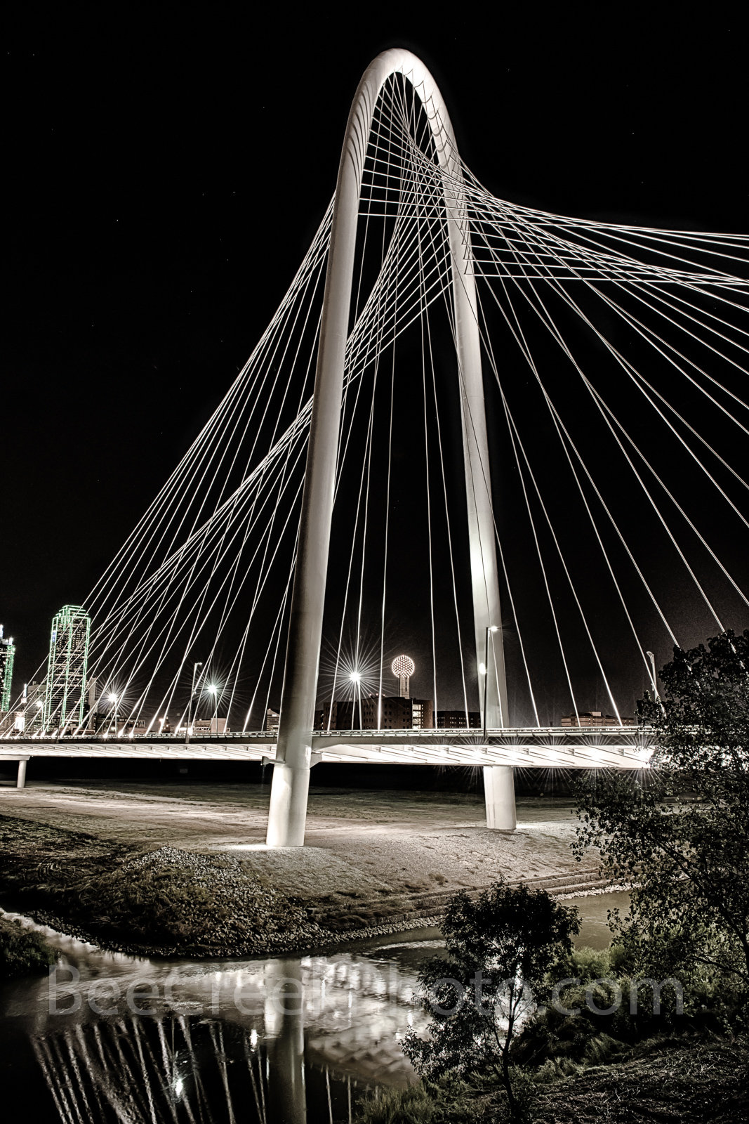 Margaret Hunt Hill Bridge, bridge, Dallas, skyline, Dallas Texas, Dallas skyline, downtown dallas, dallas bridge, images of dallas, photos of dallas, pictures of dallas, stock photos of dallas,, photo