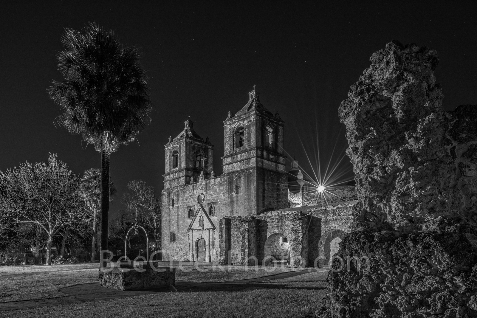 concepción, mission concepción, san antonio, night,black and whtie, bw,  spanish missions, indians, landmark, historic, downtown, skies, texians, mexicans, texas missions, national historic landmarks,, photo