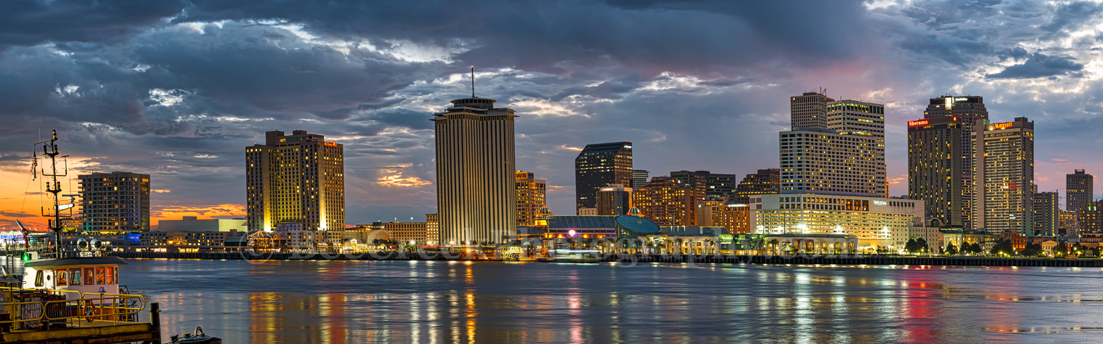 New Orleans, skyline, panorama, pano, cityscape, downtown, high rise, buildings, shoreline, city, dusk, , New Orleans cityscapes, Louisiana, tourist, World War Museum, Art,  Aquarim, riverboat, rides,
