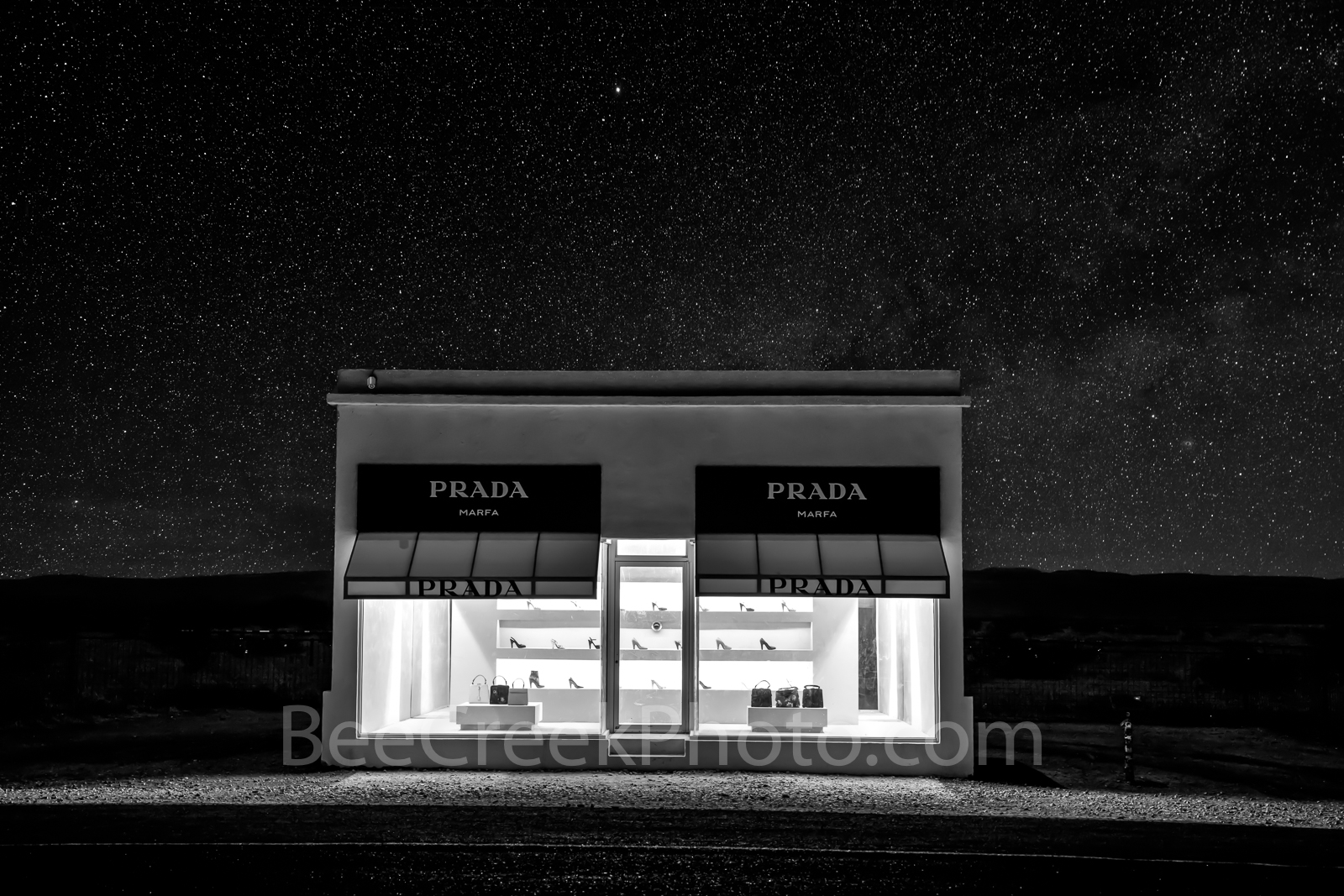 Prada Marfa, stars, black and white, BW,  night, dark, Marfa lights, west texas, starry, night skies, pop art, artist, Elmgreen and Dragset, pop architectural land art, shoes, purses, store front, wes, photo