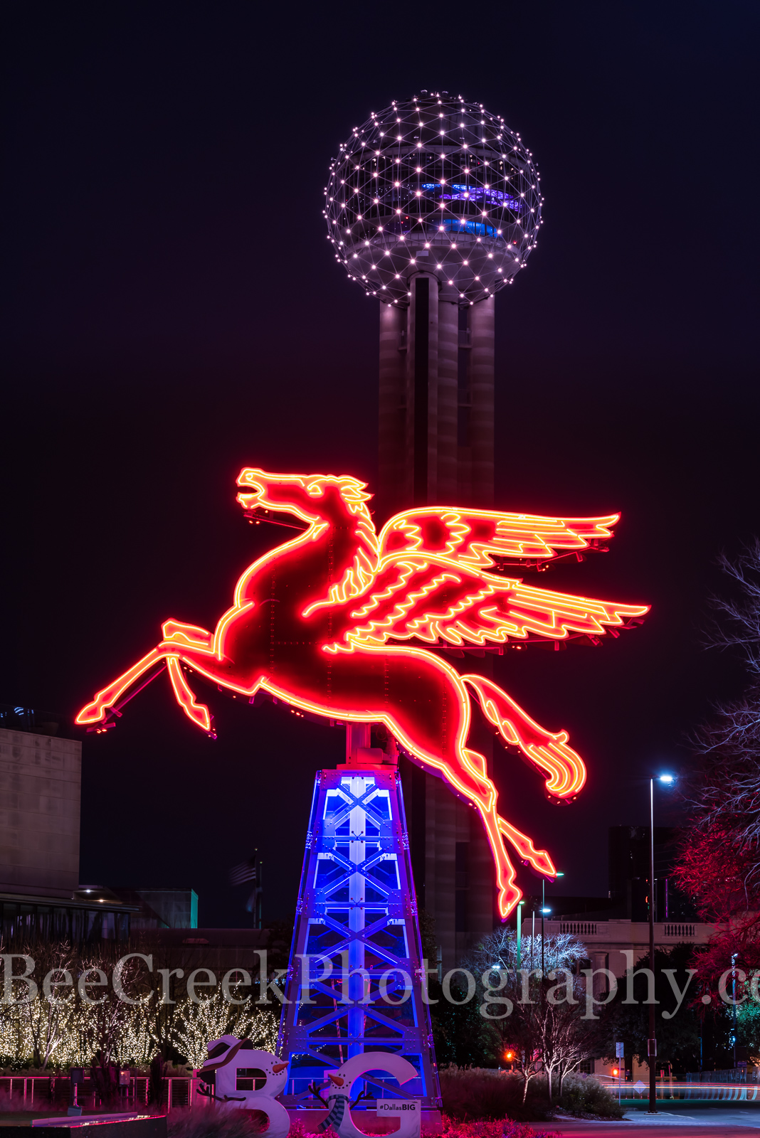 Dallas, Dallas cityscape, Dallas scene, Pegasus, Reuion Tower, cities, city, cityscape, cityscapes, dallas cityscapes, downtown, historic, iconic, landmark, landmarks, oil derrick, texas, photo