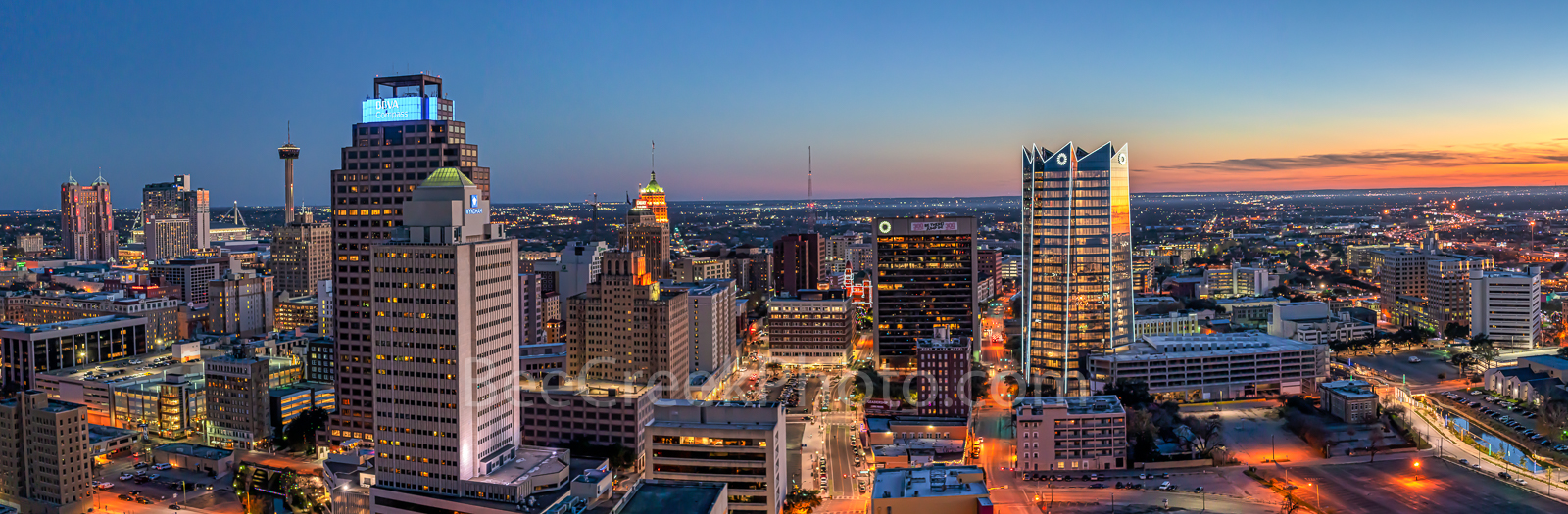 sunset, twilight, San Antonio skyline, San Antonio, texas, downtown, Frost Tower, Frost, Tower Life, building, pano, panorama, cityscape, cityscapes, urban, skyline,