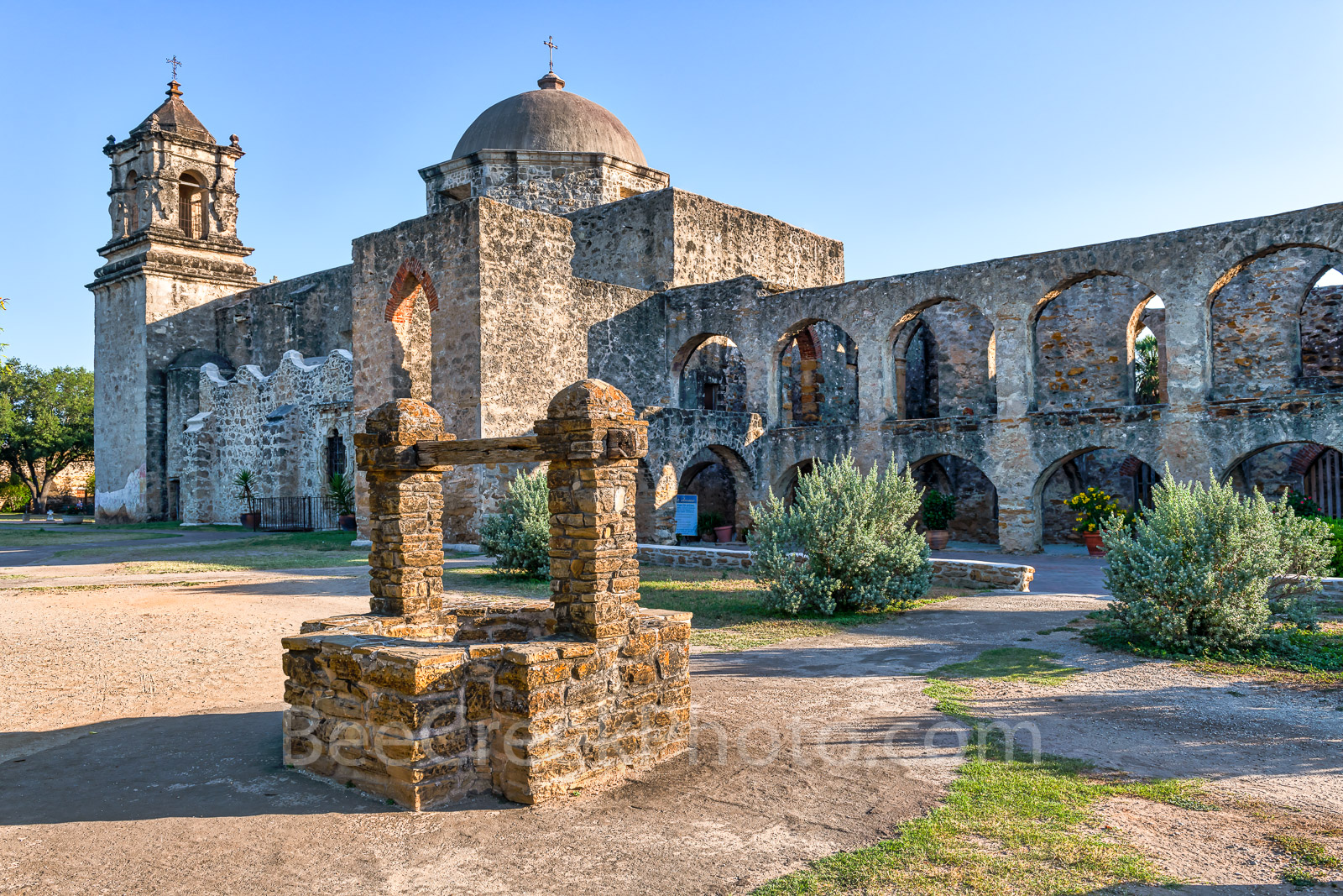 MIssion San Jose, side view, flying buttress, well, dome, steeple, gardem. church, missions, spanish mission, San Antonio, Texas missions, San Antonio Missions National Historical Park, photo