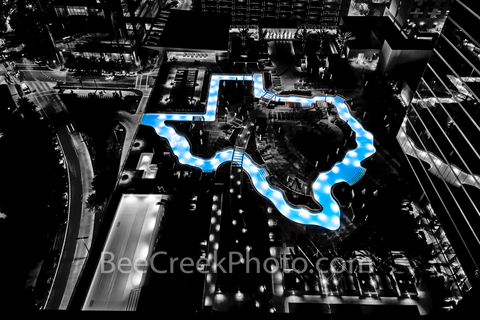 Texas shaped pool, photo