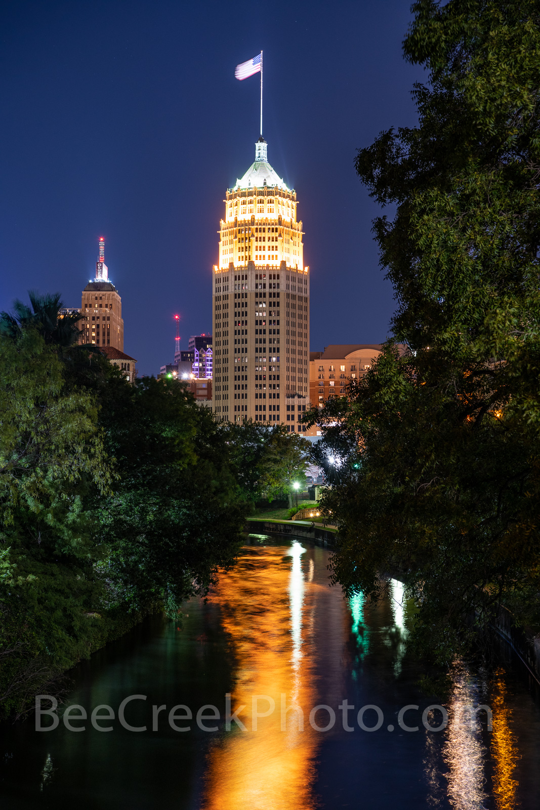 San Antonio, cityscape, skyline, Tower Life building, vertical, downtown, flag pole, Texas skyline, Texas, landmark, National Register of Historic Places, river walk, tall, prints, canvas, metal,, photo